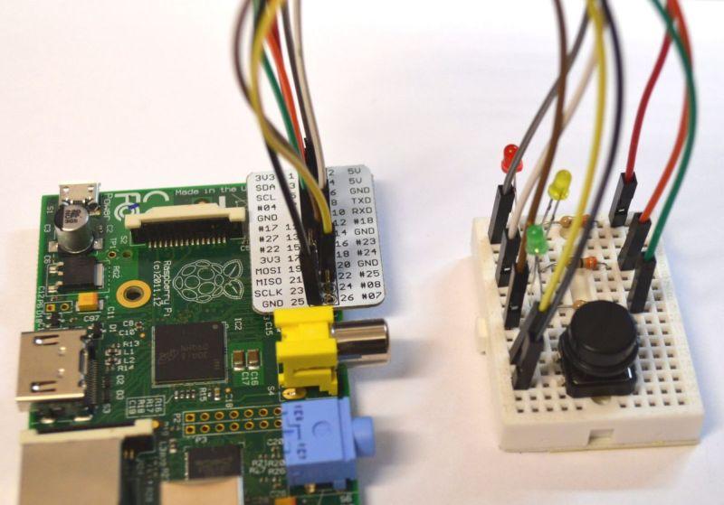 Simple Raspberry Pi Traffic Lights – 4tronix